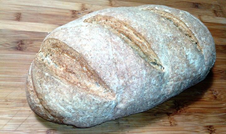 pane integrale di segale e grano saraceno